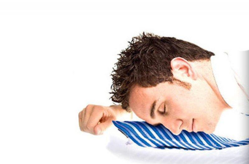Nafukovací kravata na spaní - Bílá