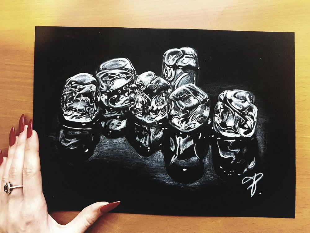 Bydlení a domácnost - Obraz na černém papíru - Kostky ledu