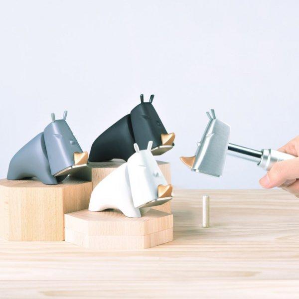Bydlení a domácnost - Kladivo na domácí práce - nosorožec