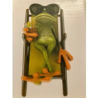 Nálepka na auto - žába leží na lehátku